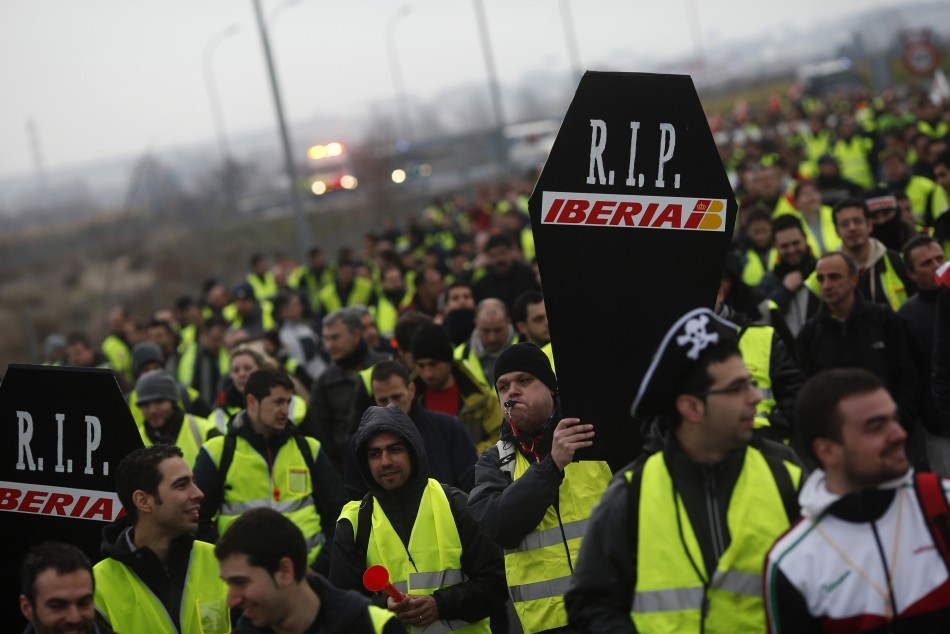 400 Iberia Flights Cancelled in Staff Cut Protests http://www.ibtimes.co.uk/articles/436482/20130218/iberia-strike-protest-flights-cancelled-staff-lay.htm