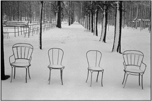 Martine Franck's Snow In Jardin Des Tuileries, Paris, 1978 (via Magnum Photos)