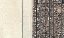 electric-street:  Aerial of the Desert of Yuma, AZ and the Grid of San Luis Rio Colorado, Mexico, 2013
