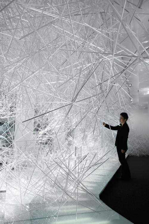 "razorshapes:  Tokujin Yoshioka Snowflakes (2010)  ""I will create a serene world with numerous transparent prism sticks in plastic. The accumulation of transparent sticks is tinged with white color just like real snow. I believe that the installation will offer visitors extraordinary experiences as if stepping into the snowflake."""