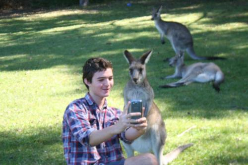 essvntially:  bonebiter:  me taking selfies with my main bitch welcome to australia fuckers  this will always be my fave