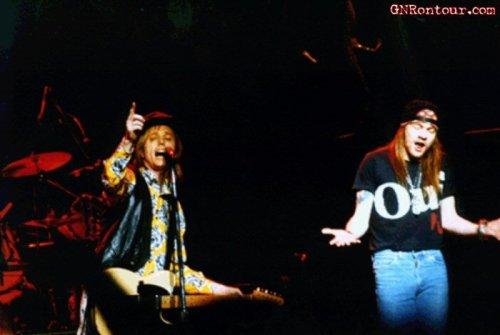 pinkcloudturnedtogrey:  Tom Petty & Axl Rose