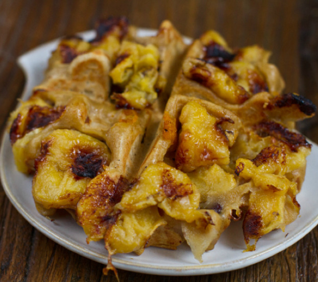 findvegan:  Grilled Banana Waffle  Get out! I'm definitely attempting this. Recipe here.