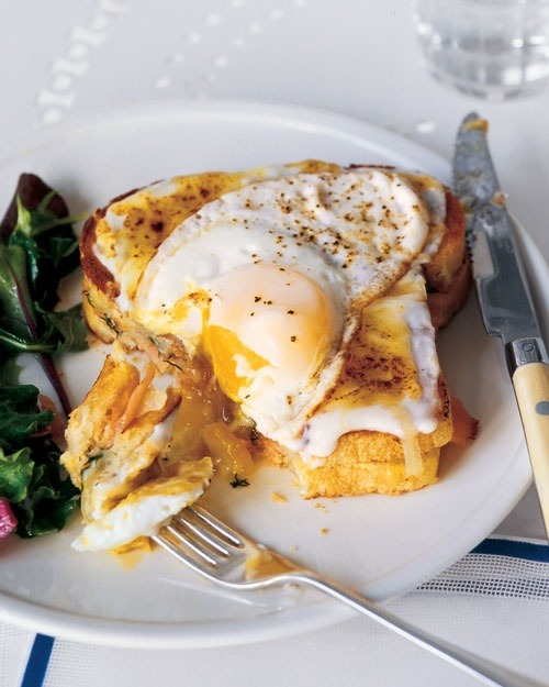 squaremeal:  (via Smoked Salmon Croque Madames - Martha Stewart Recipes)
