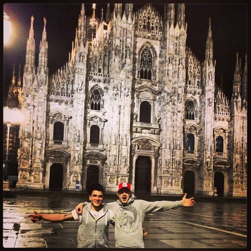 @joshdevinedrums:  @niallhoran and I… Beautiful place Milan!