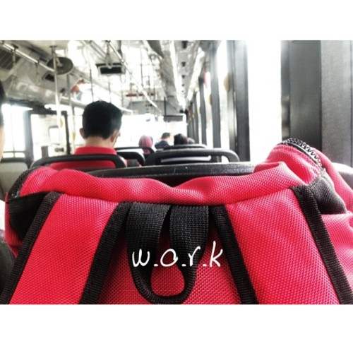 Says it all. #work #bag #slack #bus #back #smrt #lck #apelaginakhashtag #twelvesnaps #12snaps #azharraz