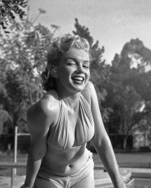 thebeautyofmarilyn:  Marilyn photographed by Bob Beerman, 1951.