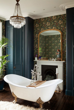 http://www.miss-design.com/design/london-eclectic-house-with-wonderful-terrace.html