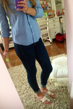 pulitzer-princess:  new jeans are the best