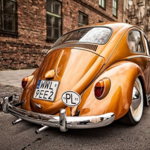 jordan23945bulls:  #Volkswagen #bug #german #slammed  #stance #dropped #low #camber #stancenation #bagged #wide