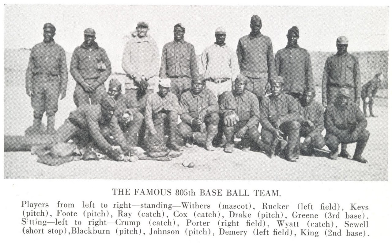 The Famous 805th Base Ball Team. Source: http://meditations-msmm.blogspot.mx/2010/06/black-baseball-and-wwi.html