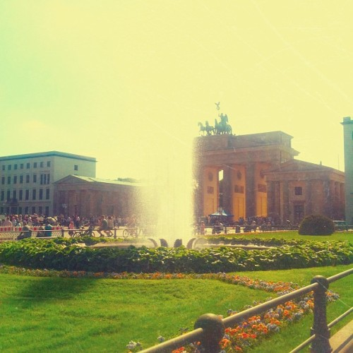 physics-freak:  Pfingsten in #Berlin (hier: Brandenburger Tor)