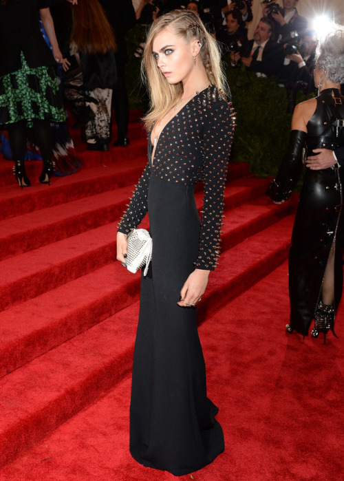 aimeesucks:  victoriasecretgiirls:  Cara Delevingne at the Met Ball 2013 Red Carpet.  omg. perfect