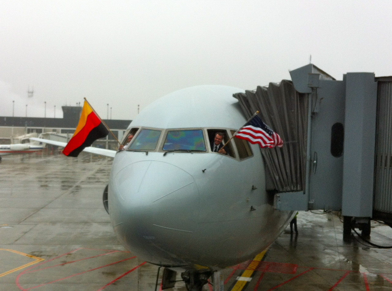 The flags come out for American Airlines' inaugural O'Hare-Düsseldorf flight.