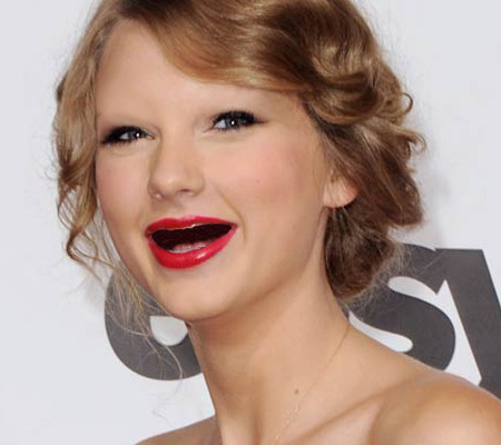 celebrities laughing with no teeth and no eyebrows