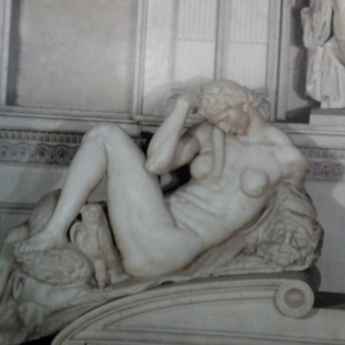 sclez:  There's little in the world as funny as Michelangelo's women.