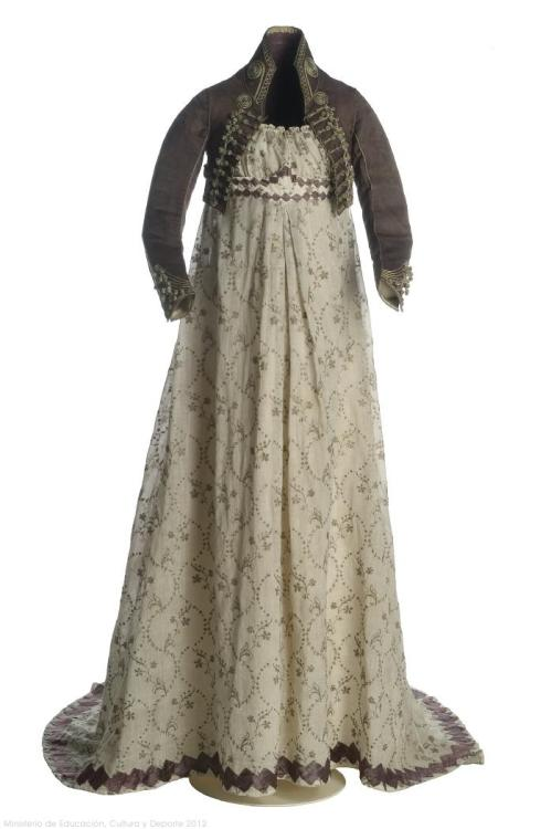 omgthatdress:  Dress and Spencer 1800s Museo del Traje  Fuckin Spencers! Amirite?