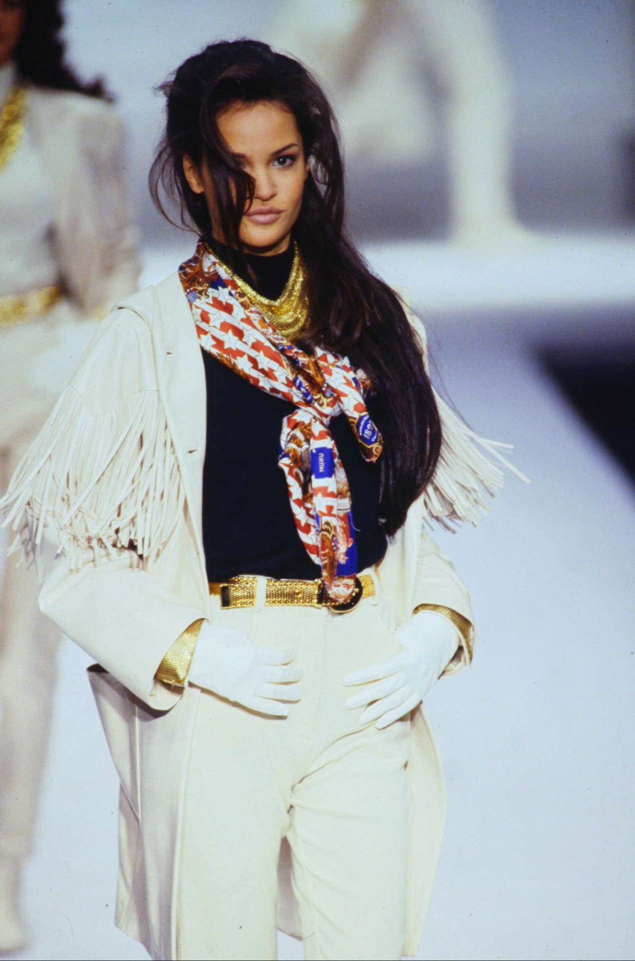 Alberta Ferretti - Fall 1992 RTW #fashion#fashion show#alberta ferretti #fall 1992 rtw #1992#affall1992rtw#claudia mason#supermodel#original supermodels#supermodels#90s#90s fashion#runway#runway show#model#models#haute couture#couture#glamour#luxury#designer