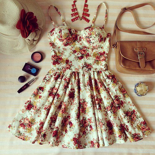 just-a-h0peless-r0mantic:  fashionpapillon:  girl | Tumblr on We Heart It. http://weheartit.com/entry/62076940/via/Kaan__  omg i want this so much