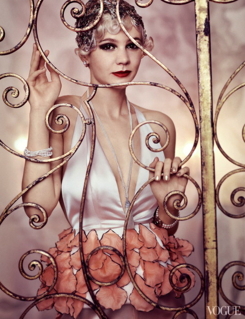 chiffonandribbons:  Carey Mulligan in Vogue US, photographed by Mario Testino