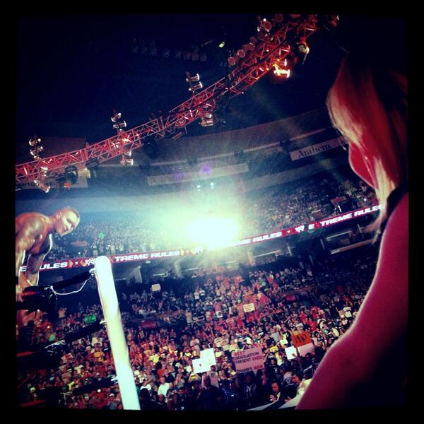 "kelseyyblair:  wwesuperstardiva:  @SMaireOrton ""She's so proud of her Dad @RandyOrton""  So sweet! :)"