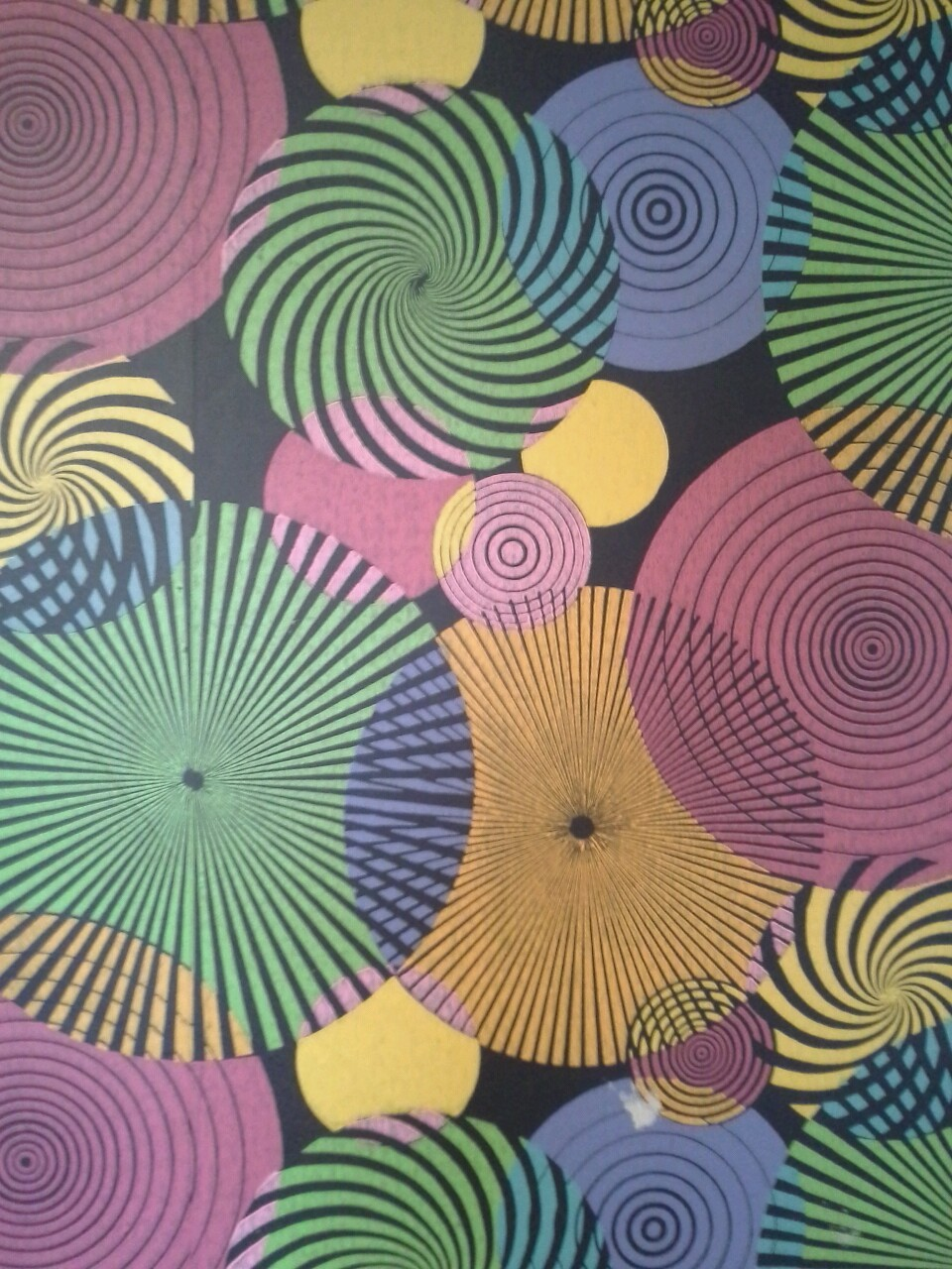 haleykorenchen:  1960's wallpaper at my Grandpa's