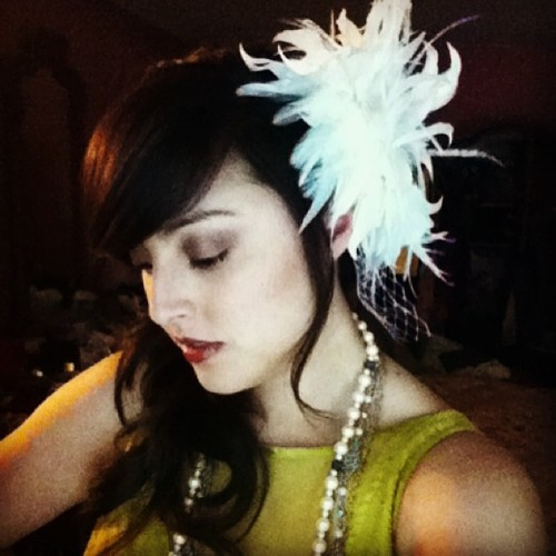 DRAMA 💋 #glam #glamor #redlips #feathers #pearls #girly #selfie #hair