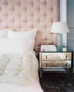 this-is-glamorous:  (via {this is glamorous} : adventures in love, design, fashion, home decor, food and travel: {décor inspiration : pink tufted stain & mirrored beside tables})