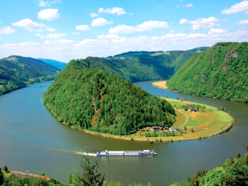 European River Cruises for Spring | Danube River