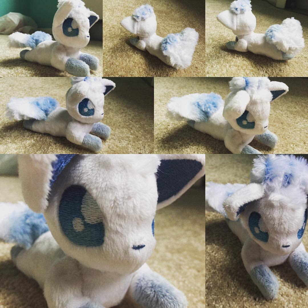 """Thanks to @featherstitched for making this adorable Alola Region Vulpix!! I have named her """"Snowflake""""! She is simply awesome and you should get all teh plushie's done from her! #Pokemon #pokemonsun #Awesome #pokemonmoon #alolapokemon #alolaregion #vulpix #fairytypepokemon #amazing #featherstitch #custom #plushie #beaniebaby #plush #adorable #cute"""