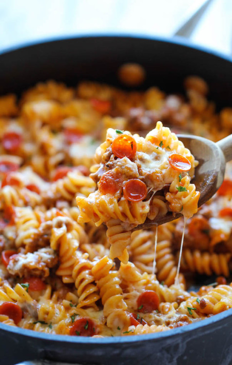 do-not-touch-my-food:  Pizza Pasta Bake