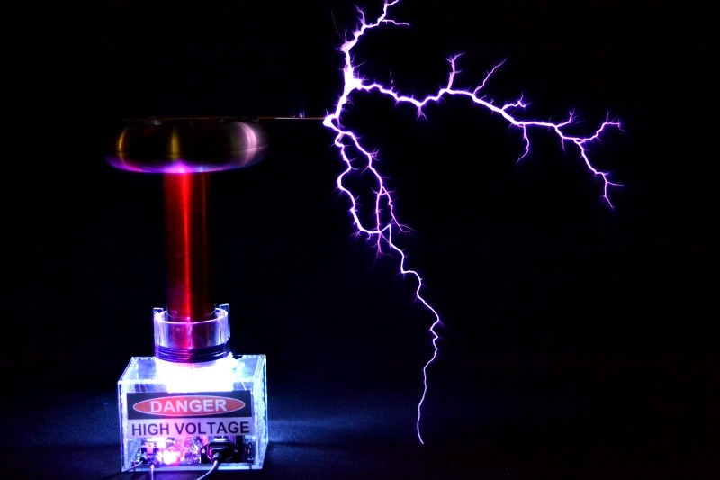 Sound lightning. A DIY electronics kit designed by two MIT undergrads, oneTesla transforms sound into artificial lightning.  Use simple tools and a soldering iron to construct the singing Tesla coil in a weekend, then connect a keyboard or computer to trigger two-foot-long musical sparks. This high voltage sound machine is our Project of the Day.