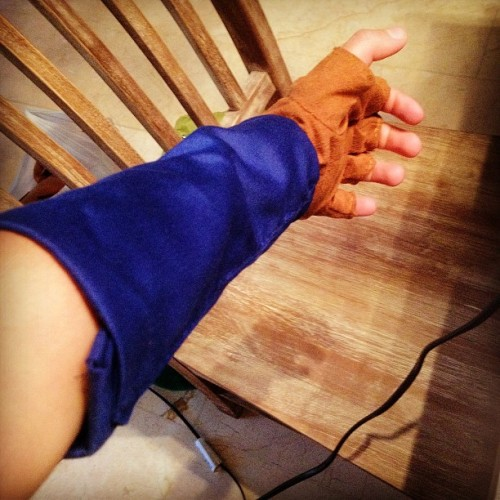 Cosplay time!  #blue #cosplay #glove #hand #brown #chair #sew #link #thelegendofzelda #twilightprincess