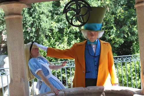 lesliebellephotography:  Mad Hatter and Alice on Flickr. This pretty much sums up how Hatter was feeling towards Alice this day…