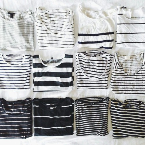 grunge grunge clothes fashion hipster indie stripes black and white black and white fashion minimal aestetic t-shirt big small blanket pale inspiration dreaming wishlist wish lookbook pinterest tumblr