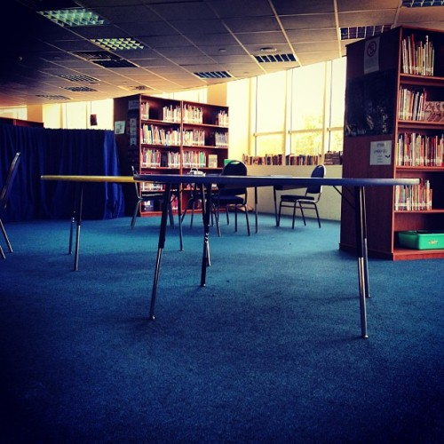 Chillin in da library. #insta #instahub #instapic #instapic #instagood #instagram #instalove #instagramhub #instagrammers #webstagram #statigram #school #tweegram #library #instadaily #best #bestshot #books #tables #blue #egypt #all_shots #followme #ifollowback  (at The American International School in Egypt West Campus)