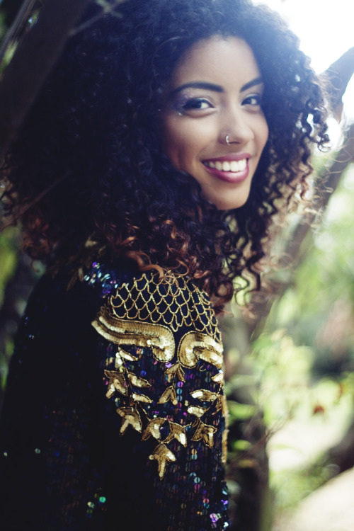 curly-essence:  http://curly-essence.tumblr.com/ follow us