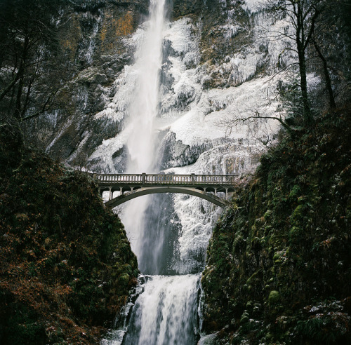Multnomah Falls, Oregon Medium Format // Kodak Ektar