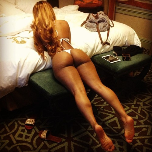 imapervert:  Lira Galore dalandofmilkandhoney submitted: