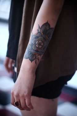 hipsterdetails:  Done by Alice Carrier http://alicecarrier.tumblr.com/post/49572054513/got-a-little-noodly-on-this-coverup-today-thanks