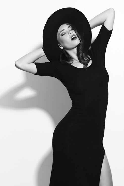 Lady in Black Model: Jana Molder Hair/Makeup: Nicolette Lafranchi Photographer: Lito Zapata