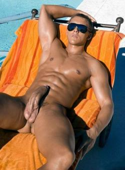 malegalore:  Hello summer