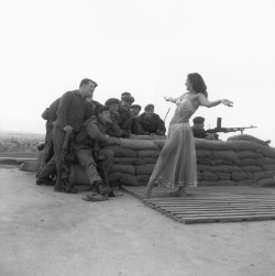historicporn:  Belly dancer entertains British troops.Cyprus, 1964.