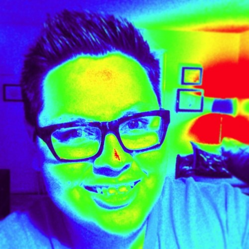 It ain't easy being green. #thermal #selfie #me #bored #shouldgotobed