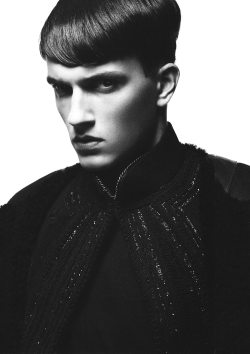 Jacob Wiechmann by Satoshi Saïkusa for HUgE Magazine September 2009