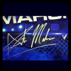 #tbt @austinmahone first official signed poster! Today he is 17 and living his dream ❤ The adventure is just getting started! #austin #mahone #mahomiegram #mahomie #happy #birthday #mcc #love #proud #heart #happybirthdayaustin @michelemahone thank you for giving him life 💖