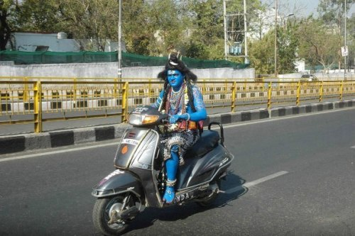 Spotted: Shiva on Wheels!