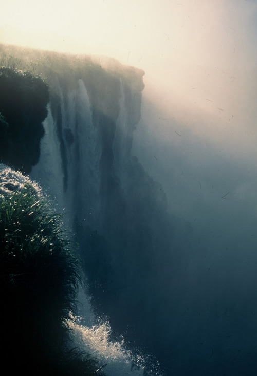 brutalgeneration:  000015b (by luznahir)