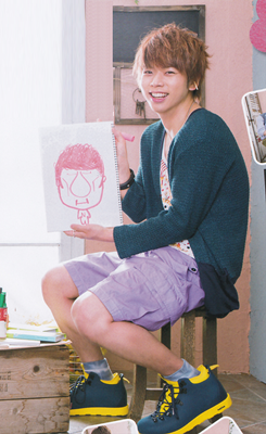 Massu and Maru's drawing of each other.