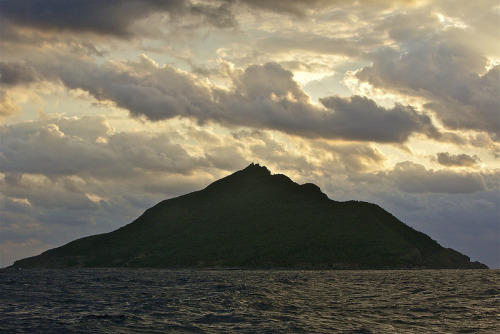 Photo: Uotsuri Island, from Al Jazeera English http://bit.ly/18MWTzG